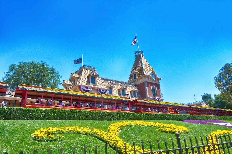 All Aboard the Disneyland Train