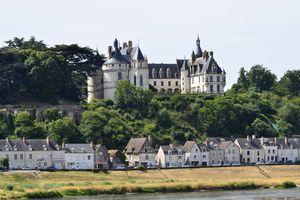 Chaumont sur Loire castle and river