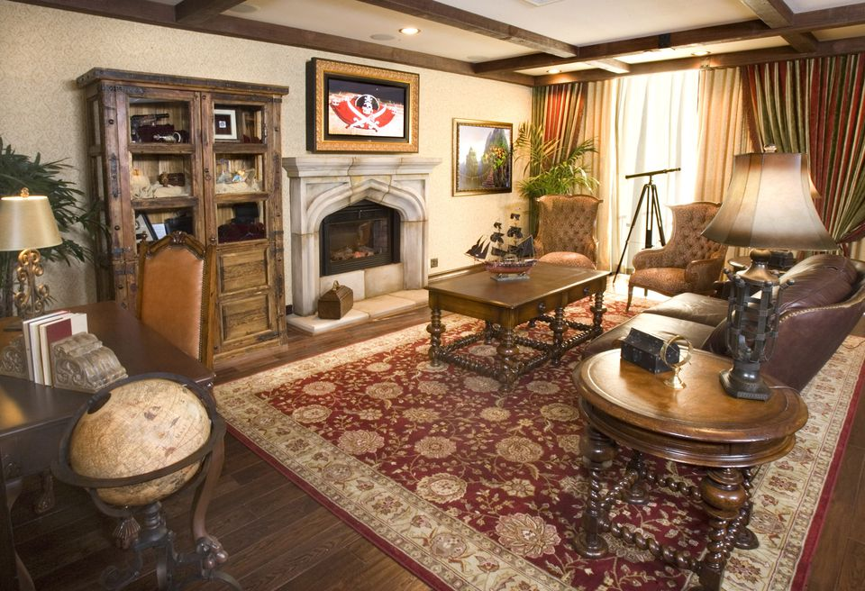 Inside The Pirates Of Caribbean Suite At Disneyland Hotel
