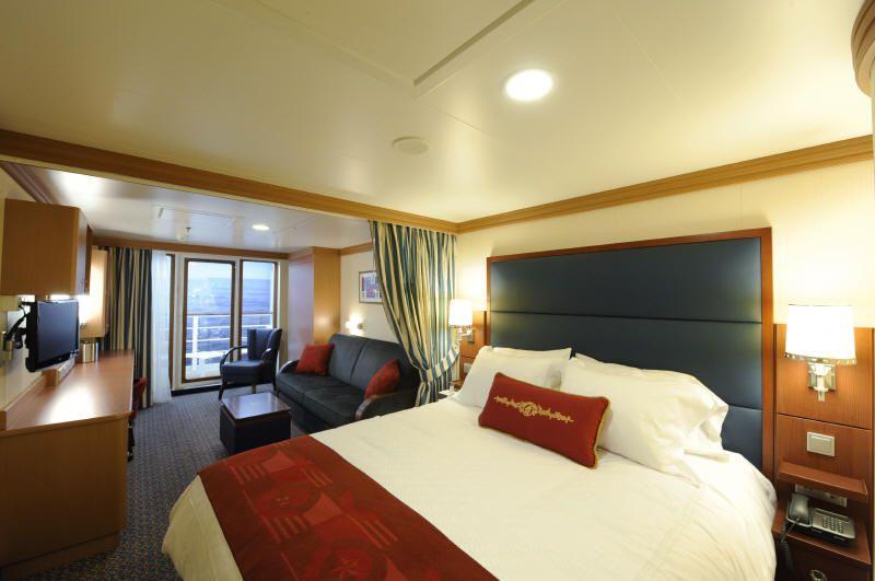 Deluxe oceanview stateroom - Photo courtesy of Disney Cruise Line.