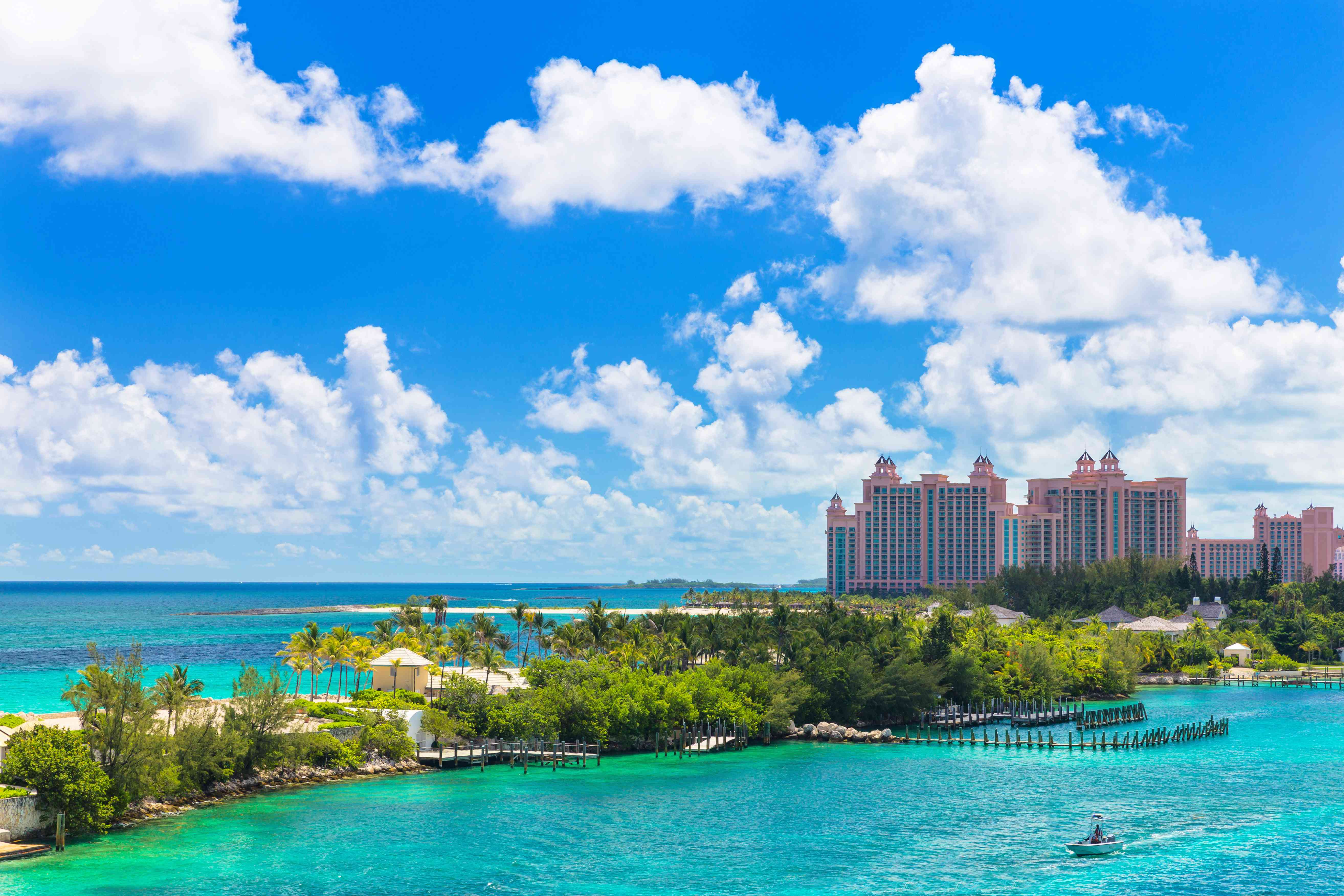 How To Plan A Day Trip To Atlantis Paradise Island In The Bahamas
