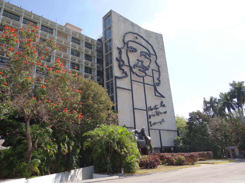 Che Guevara overlooks Revolution Square in Havana