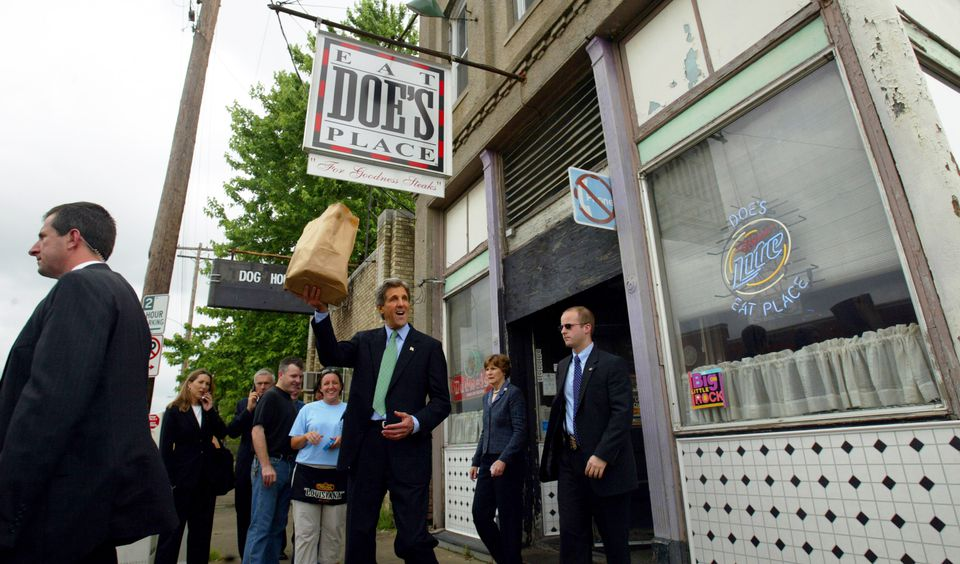 Democratic Presidential Candidate John Kerry campaigned In Little Rock and stopped at Doe's Eat Place.