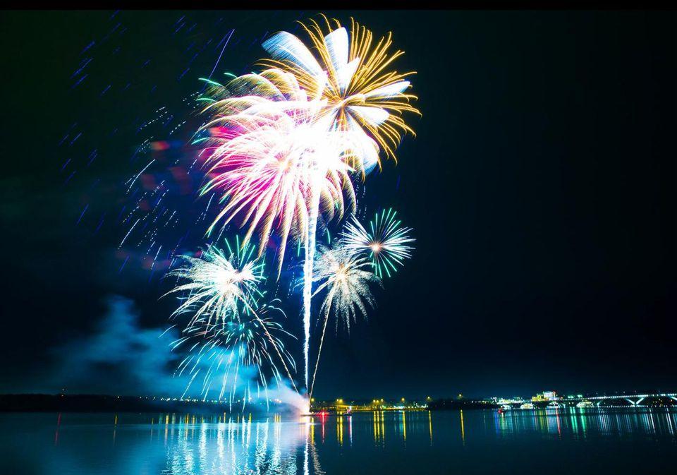 Alexandria, Virginia, Fireworks