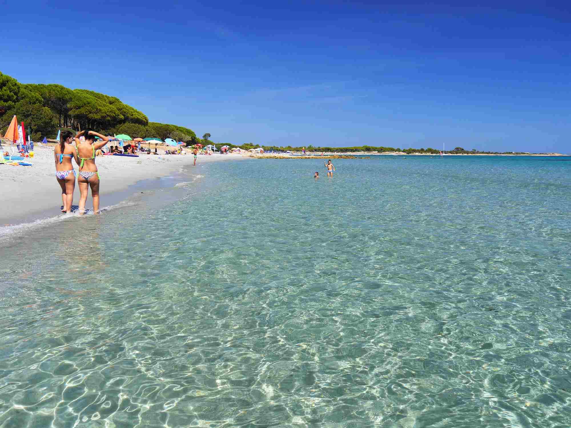 Beach life at Cala Liberotto in Sardina / ItalyLothar Knopp