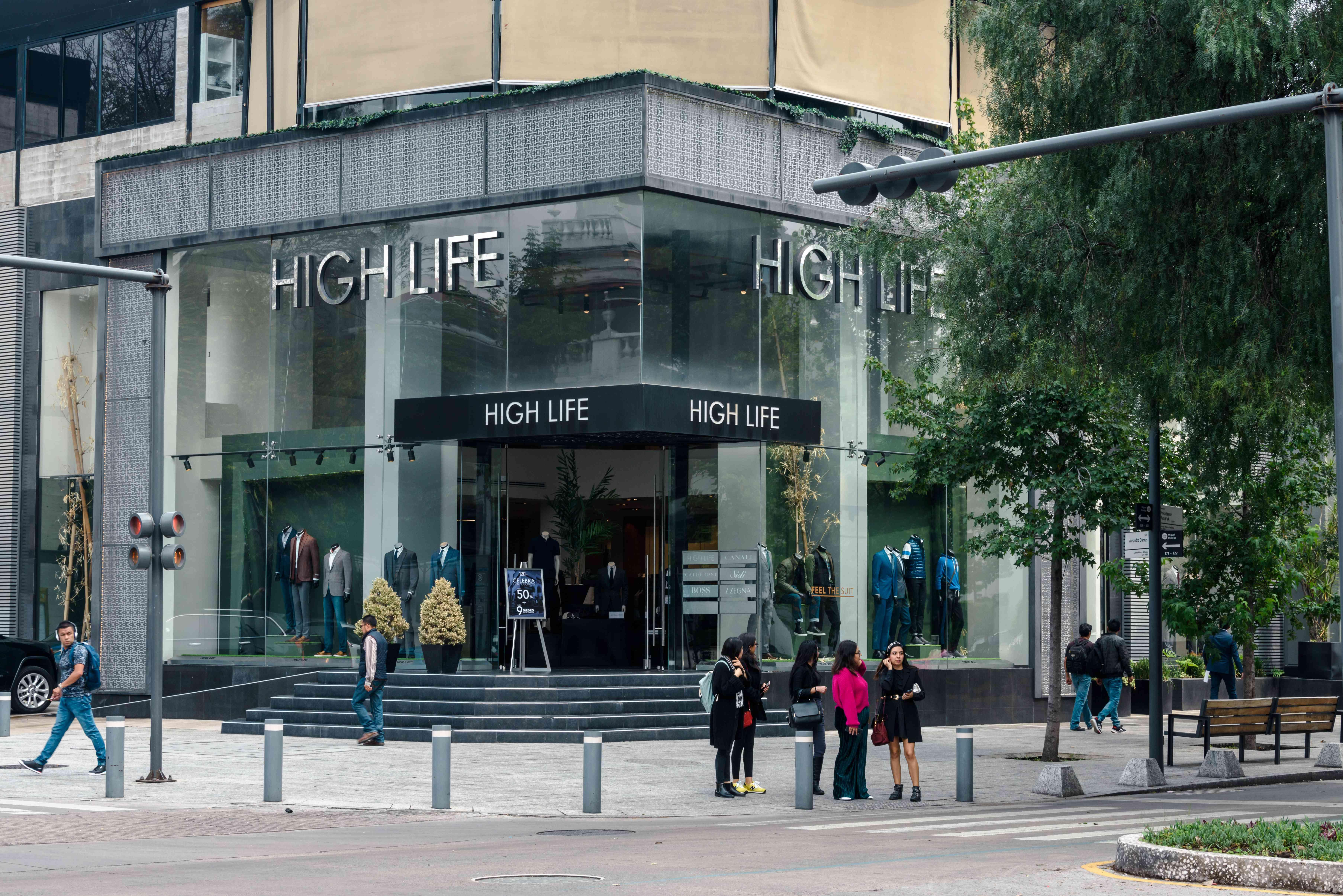 High Life Shopping center on in Polanco