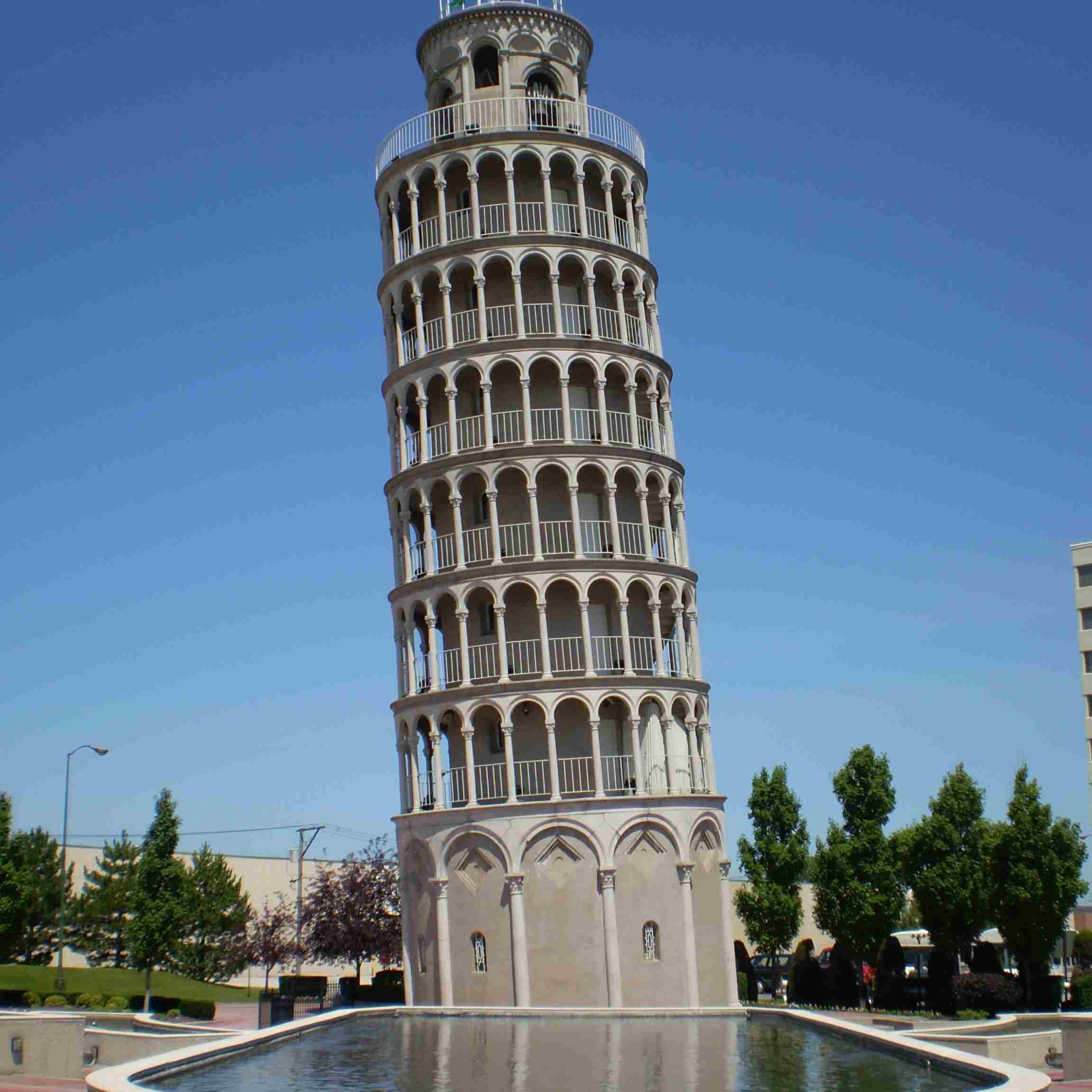 известные башни фото черный принц роскошный