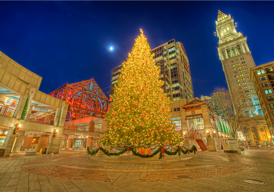 christmas in bostons faneuil hall - Cheap Christmas Vacations