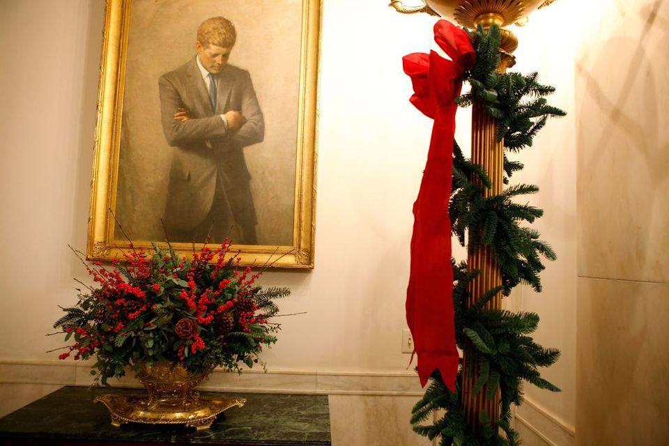 white house christmas pictures kennedy portrait