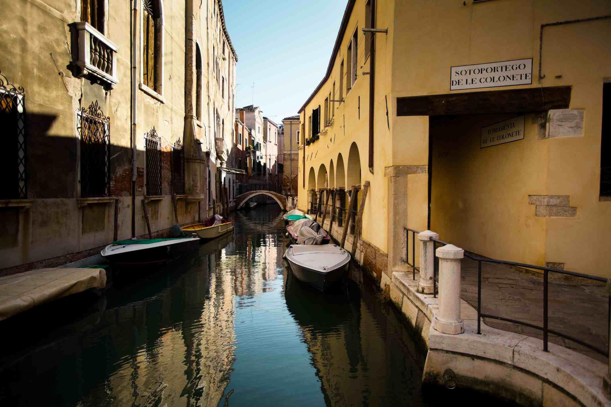Sotoportego De Le Colonete Canal, Venice, Italy