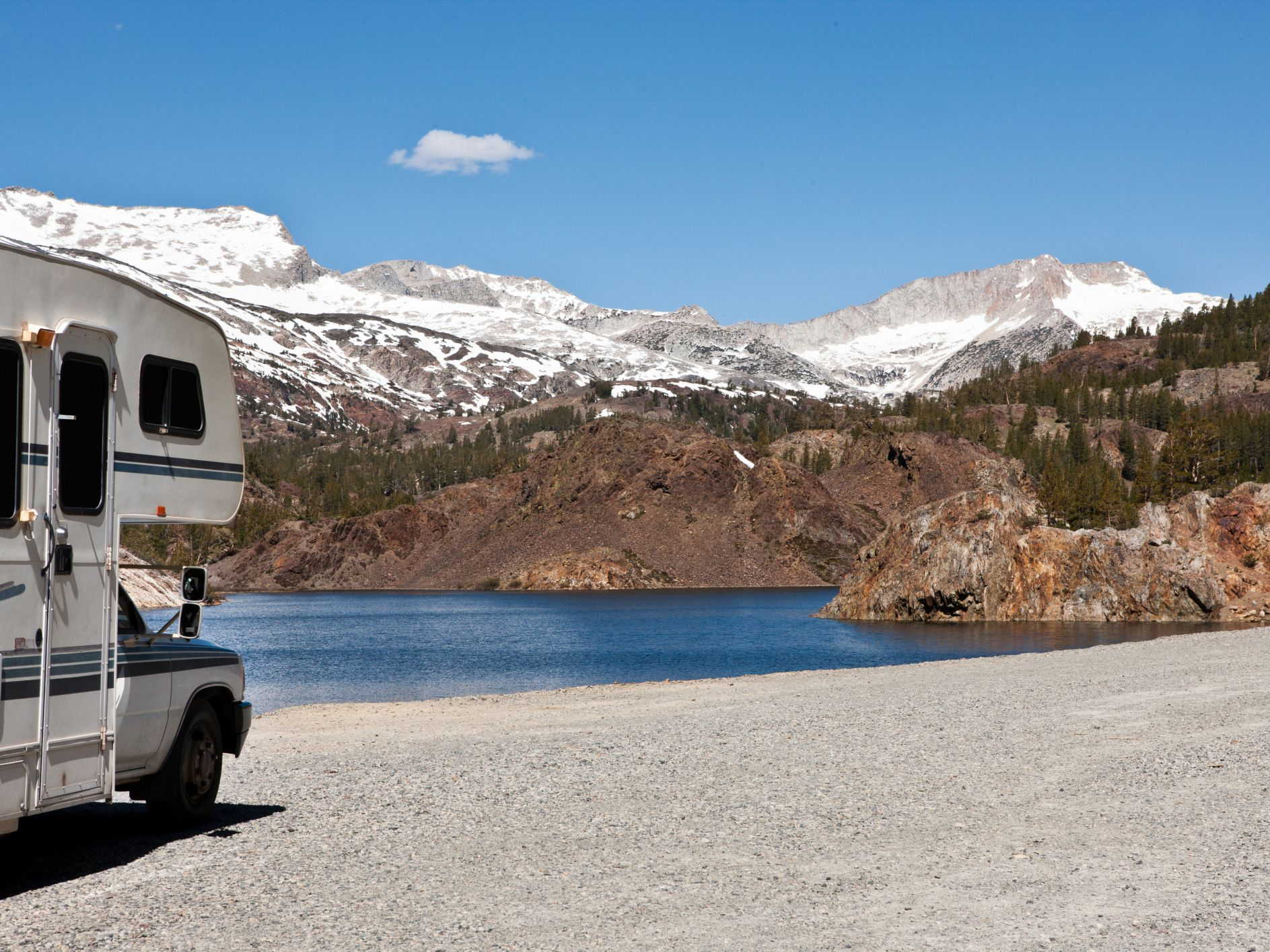 Yellowstone National Park Rv Parks >> 3 National Parks That Offer Rv Hookups For Travelers