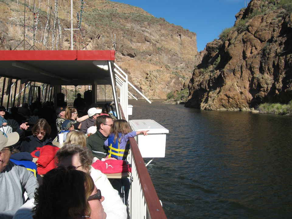 The Dolly Steamboat Scenic Cruise