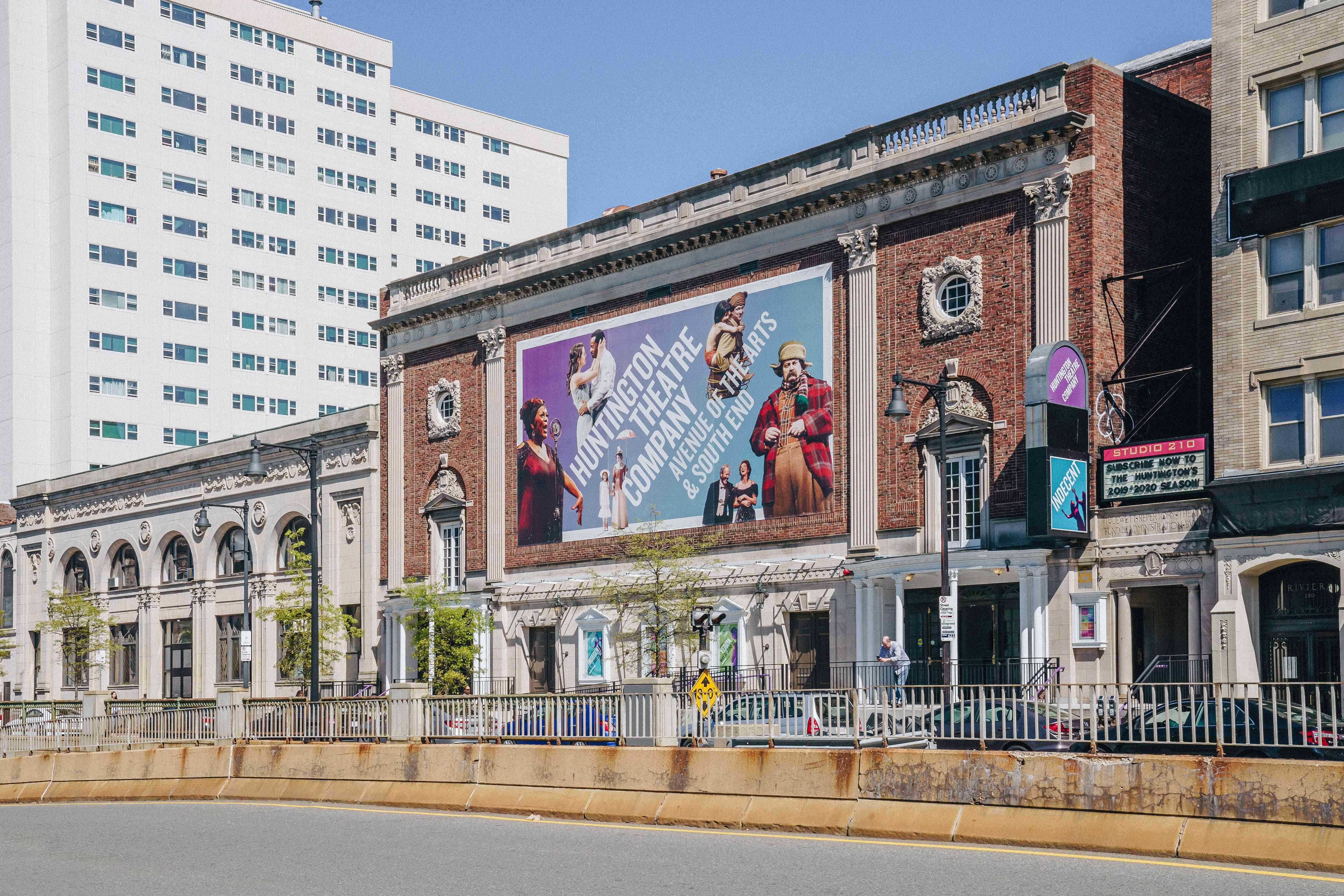 Exterior del Huntington compañía de teatro
