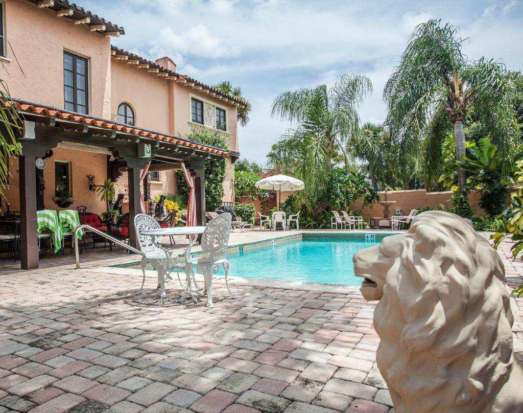The Villa Inn B&B