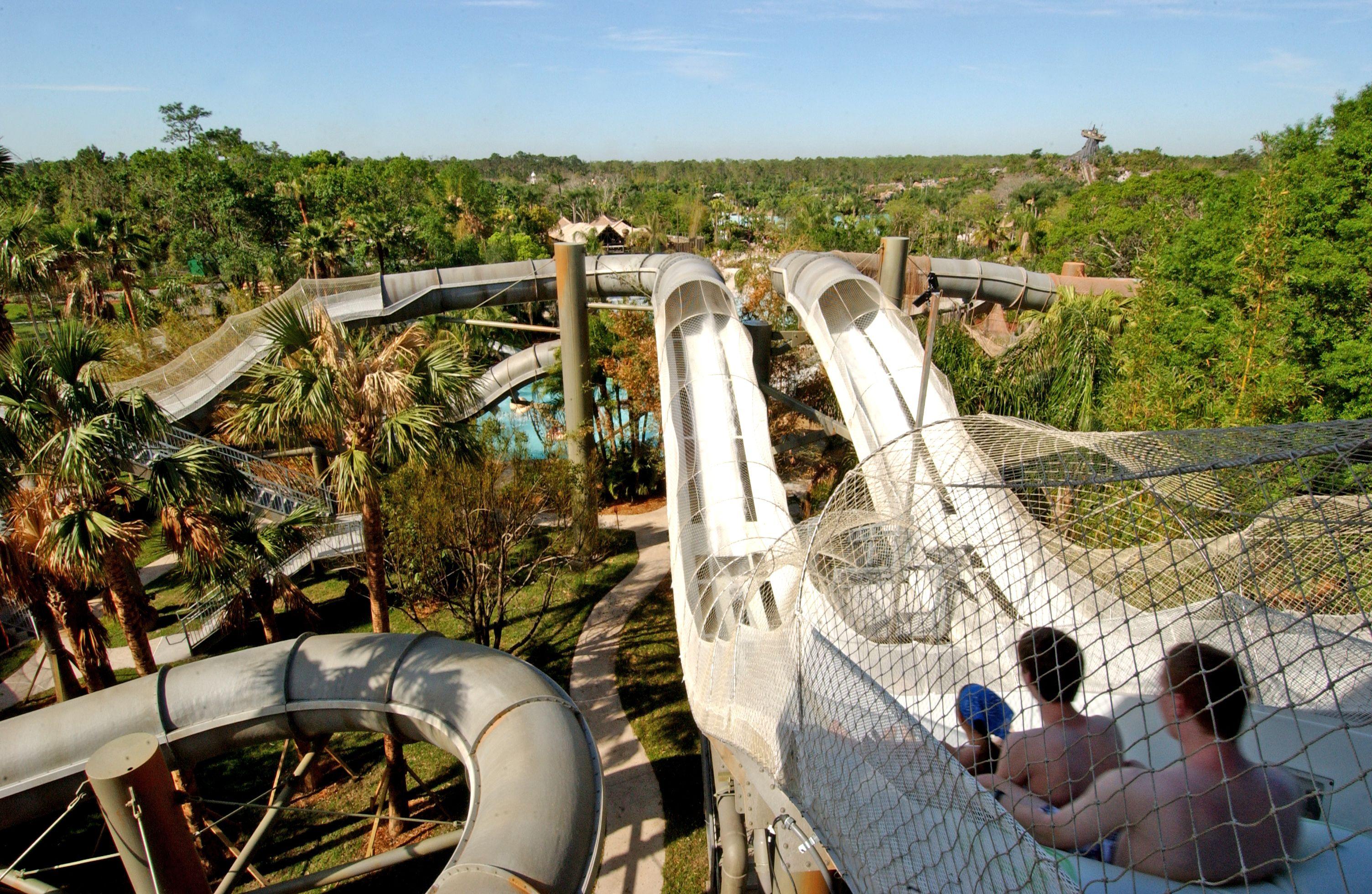 Crush 'n' Gusher Disney World water park ride