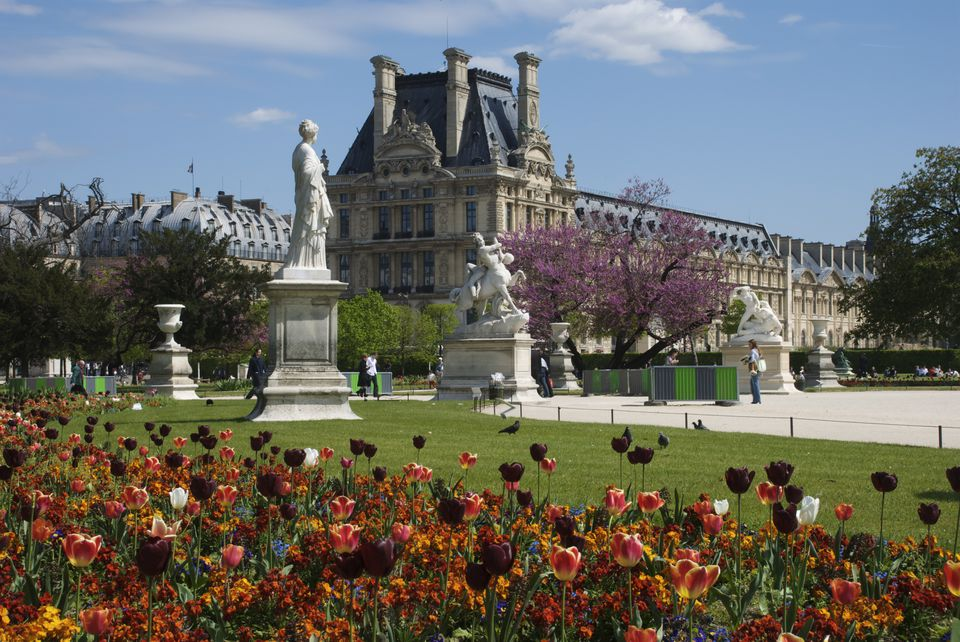 Situated just outside the Louvre Museum, the Tuileries gardens are part of the same (originally) royal complex in Paris.