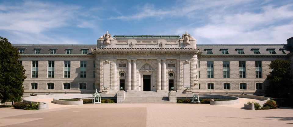 Entrance to Bancroft Hall of United State Naval Academy