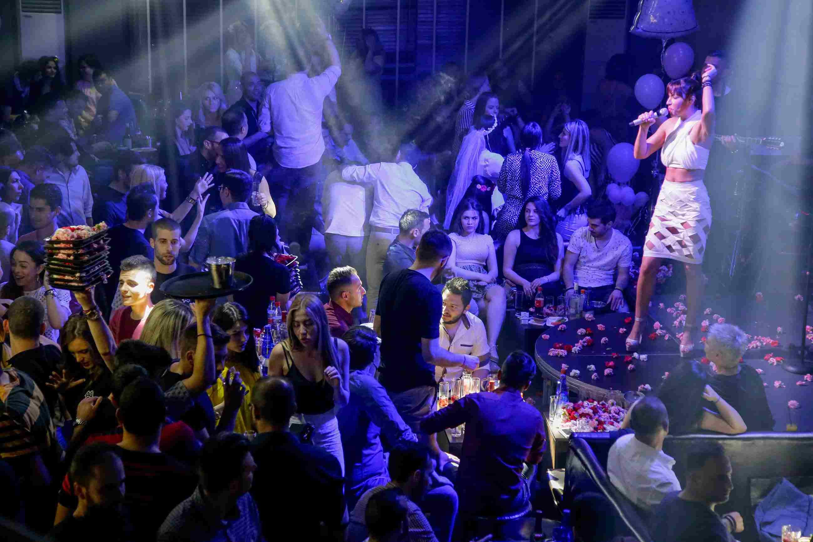 Thessalonika Nightclubs in Port, Valouritou and Ladadika are lively
