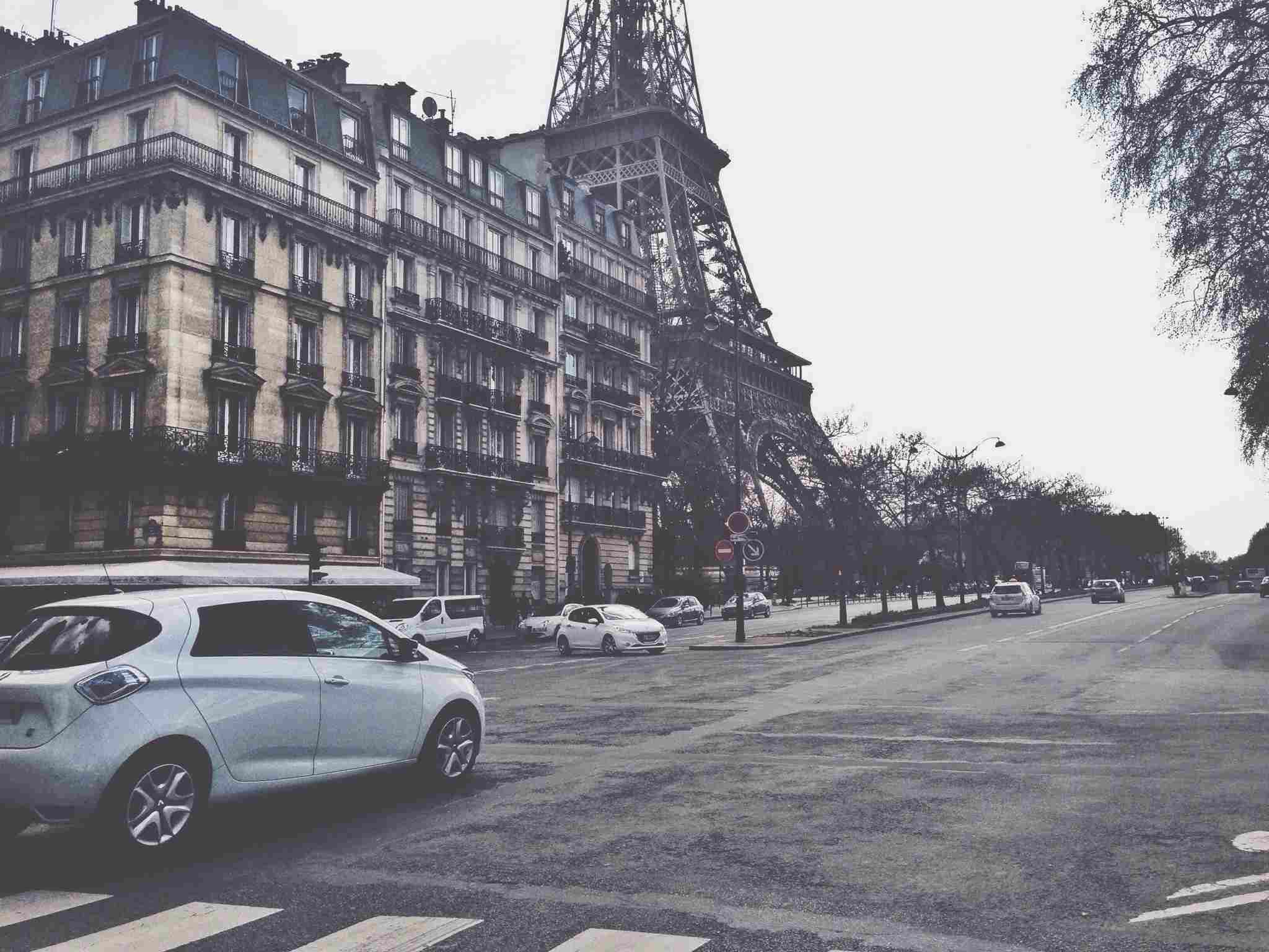 Renting a car in Paris can offer some advantages-- as well as a few disadvantages.