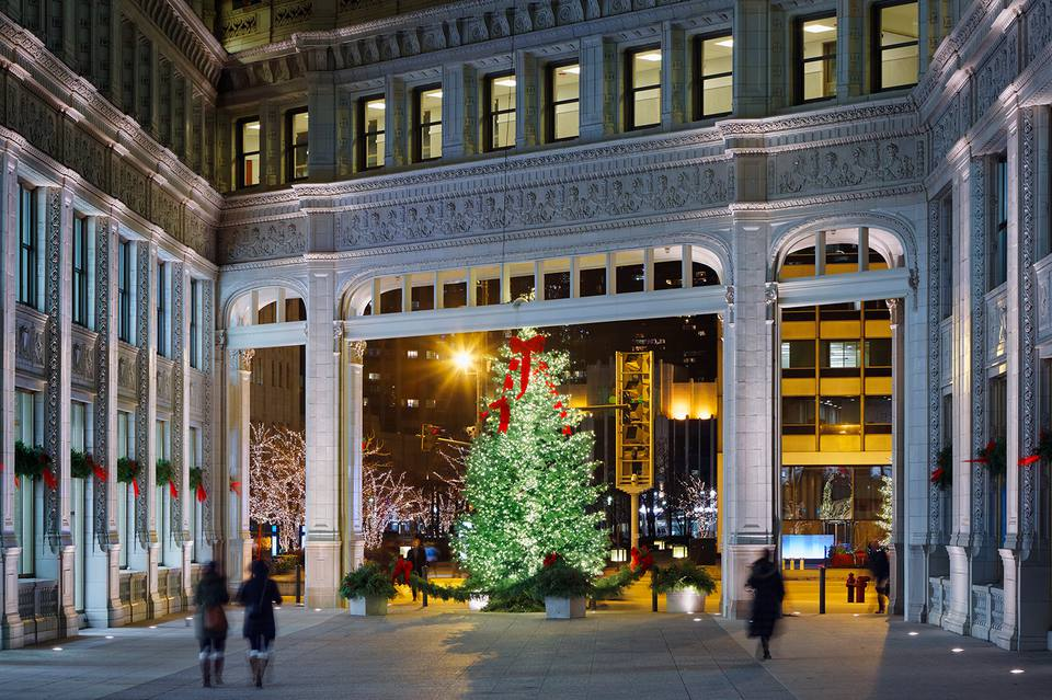 Christmas Tree Downtown Chicago.November In Chicago Weather And Event Guide