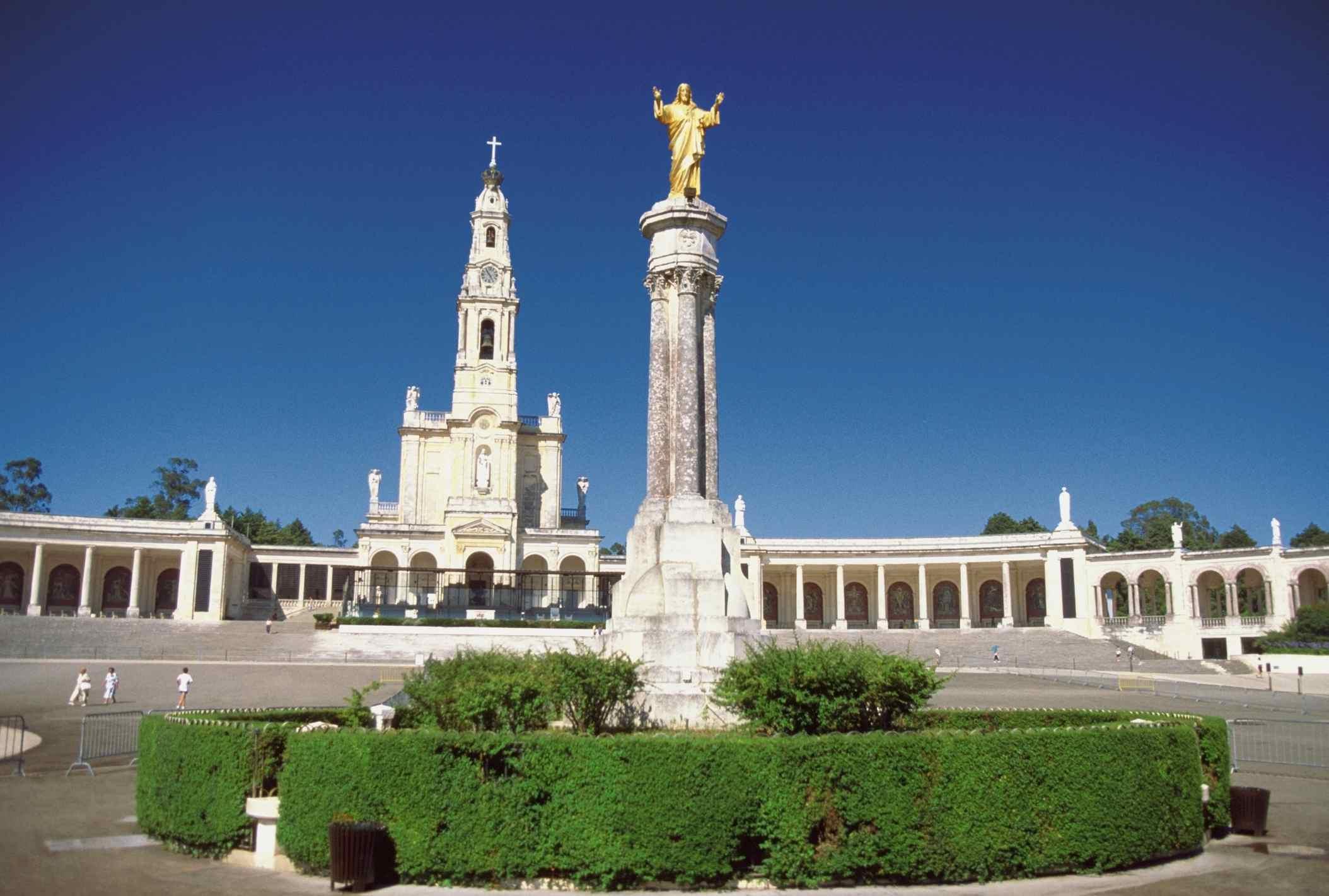 Kết quả hình ảnh cho Sanctuary of Our lady Fatima