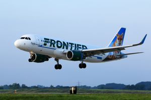 Frontier Airlines A320 Landing at Cleveland Hopkins International Airport