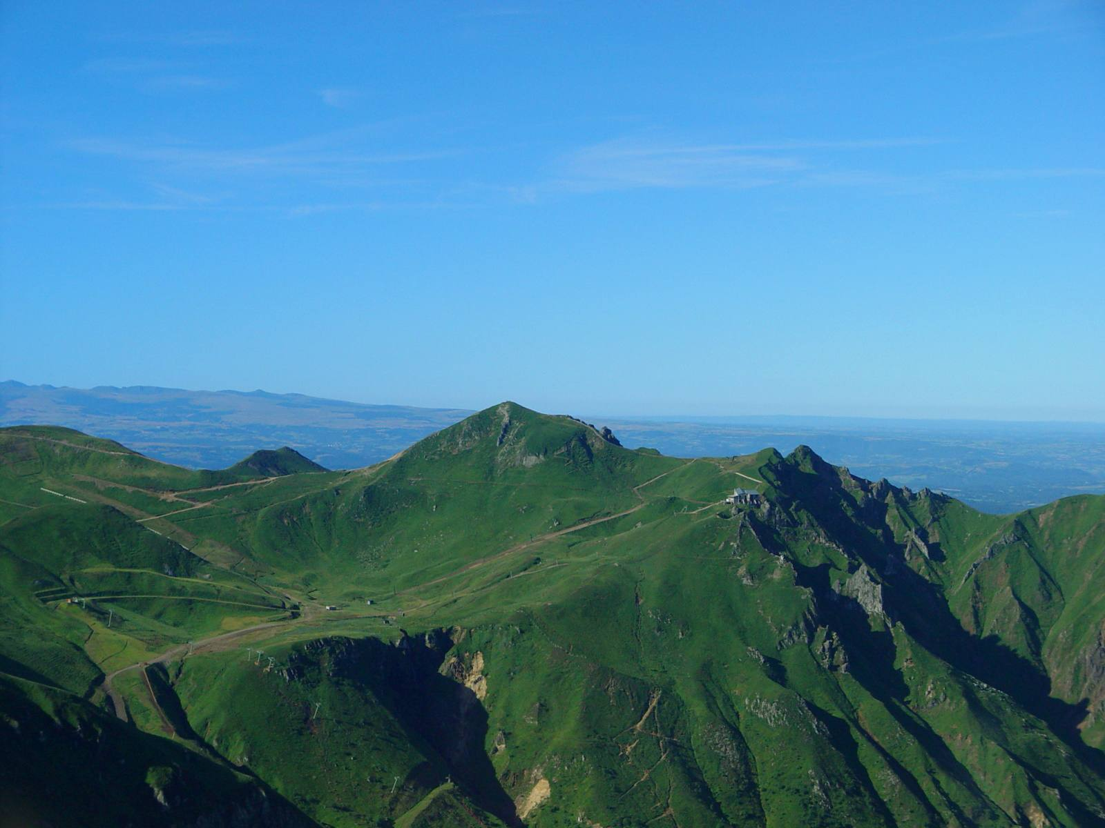 The green slopes of Le puy du Sancy