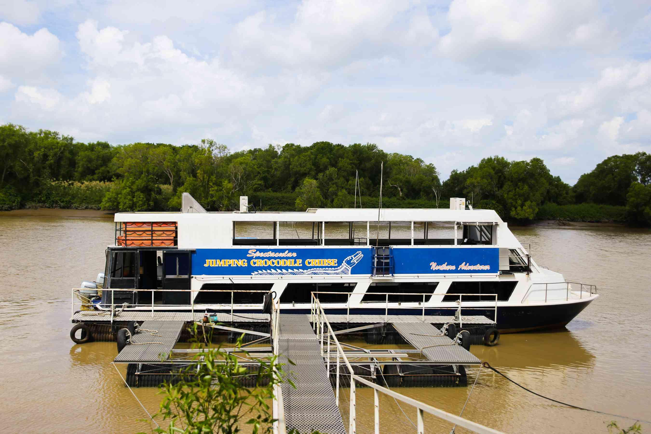 Un barco turístico en Darwin