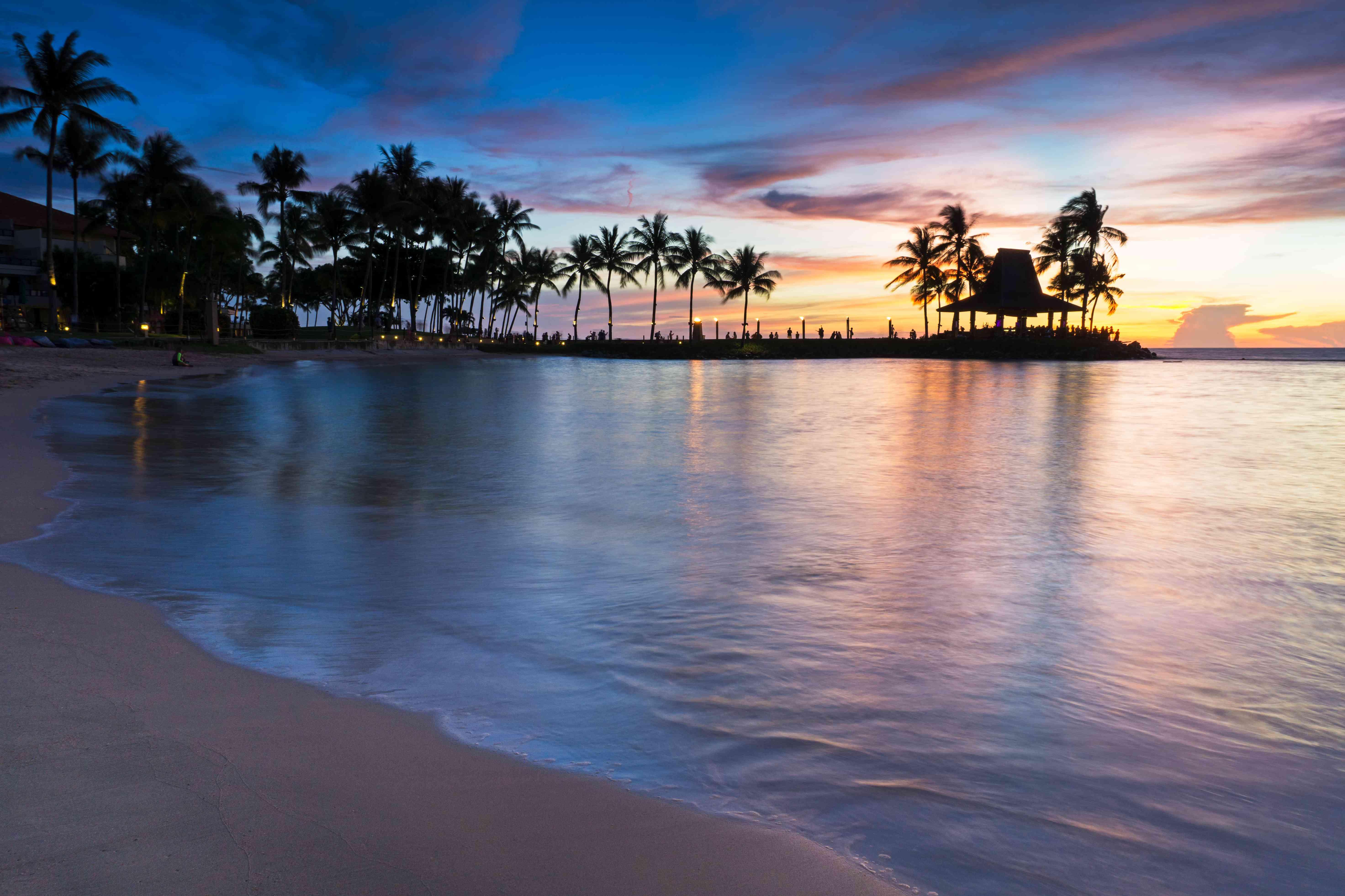 Sunset along Tanjung Aru Beach at Kota Kinabalu, Borneo