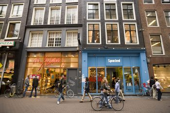 shopping louboutin in amsterdam