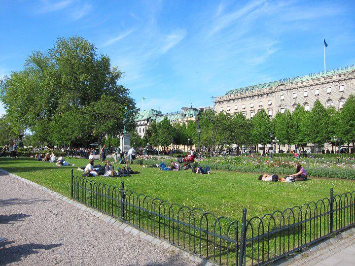 Spring weather at Kungsträdgården in Stockholm