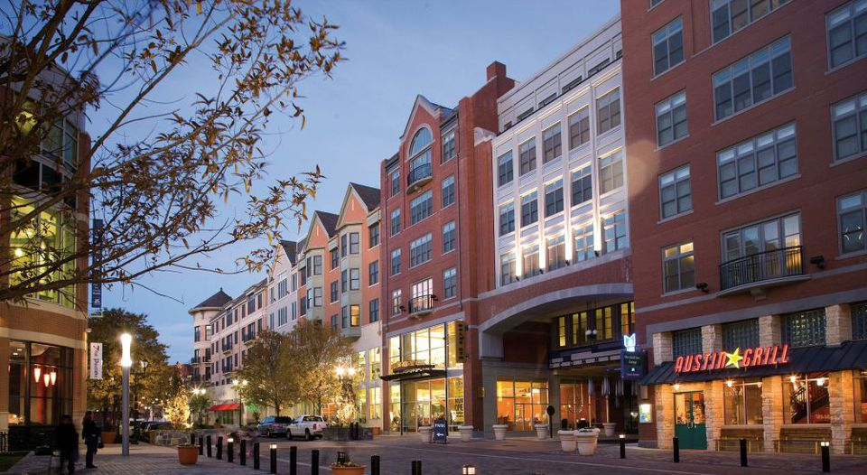 Shopping Dining And Entertainment Guide To Rockville Town Center