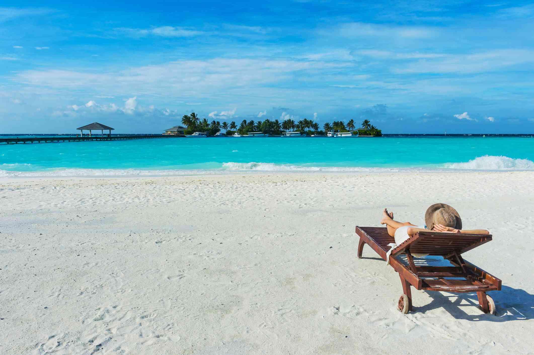 Maldives, Ari Atoll, Nalaguraidhoo, Sun Island Resort