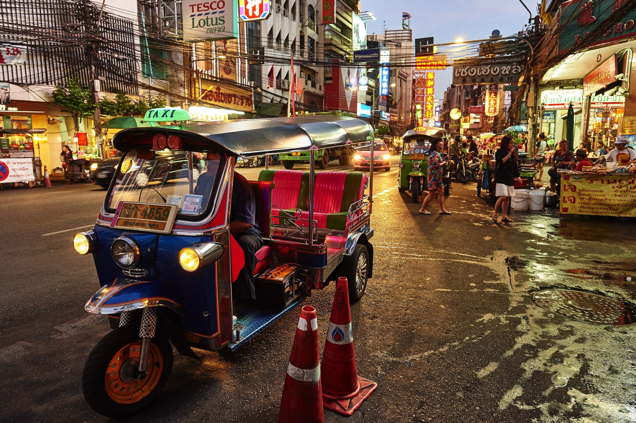 Planning A Road Trip >> Traveling by Tuk-Tuk in Thailand