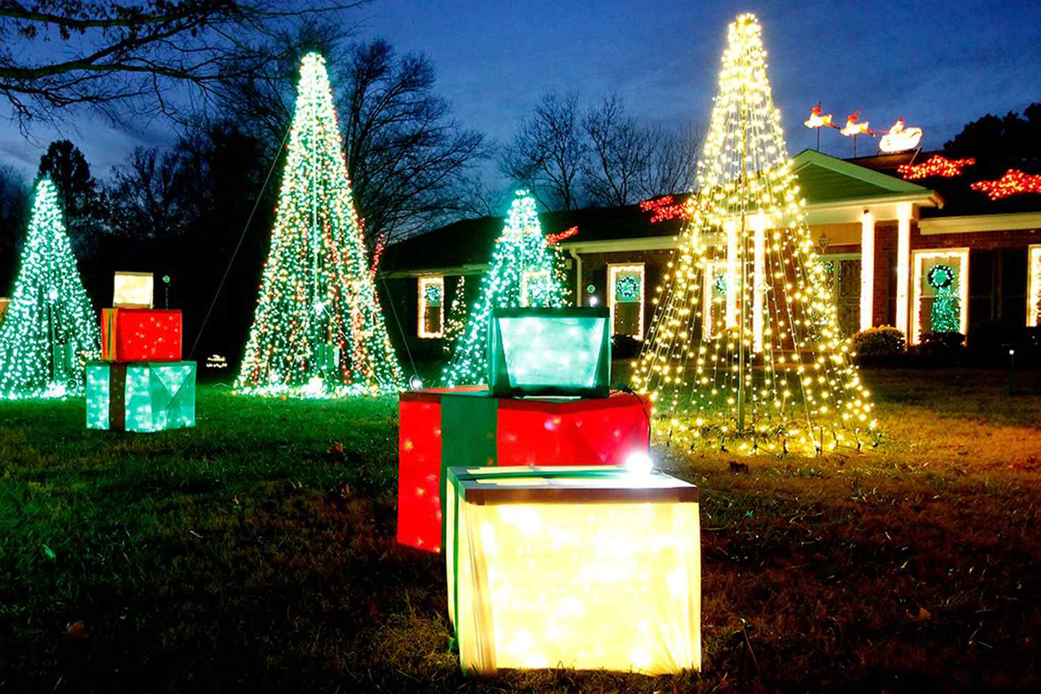 Where to See Christmas Lights in Nashville