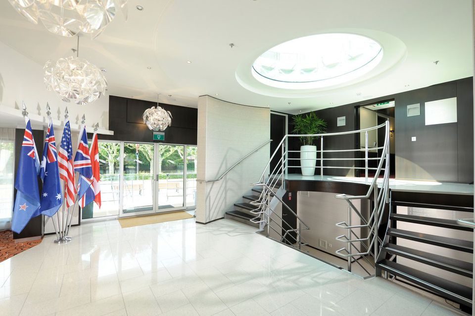 Avalon Panorama - Área de recepción del lobby