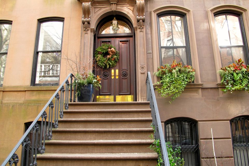 Carrie Bradshaw S Front Stoop