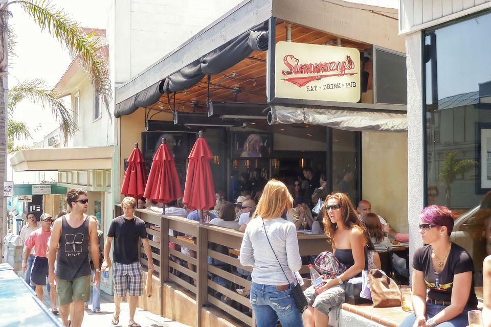 Go Ping Or Dining In Downtown Manhattan Beach