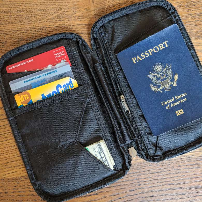 Zero Grid Family Passport Holder