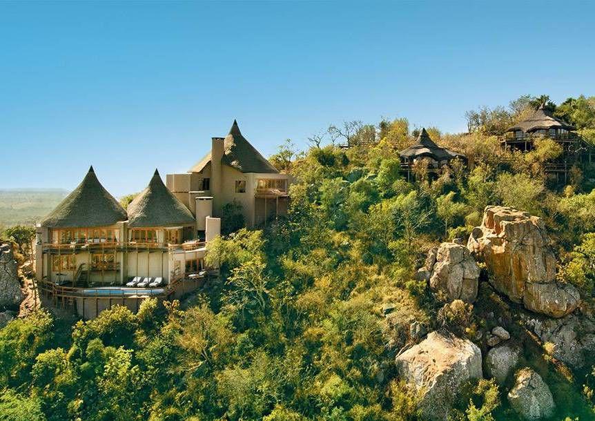 Ulusaba game lodge on a cliffside