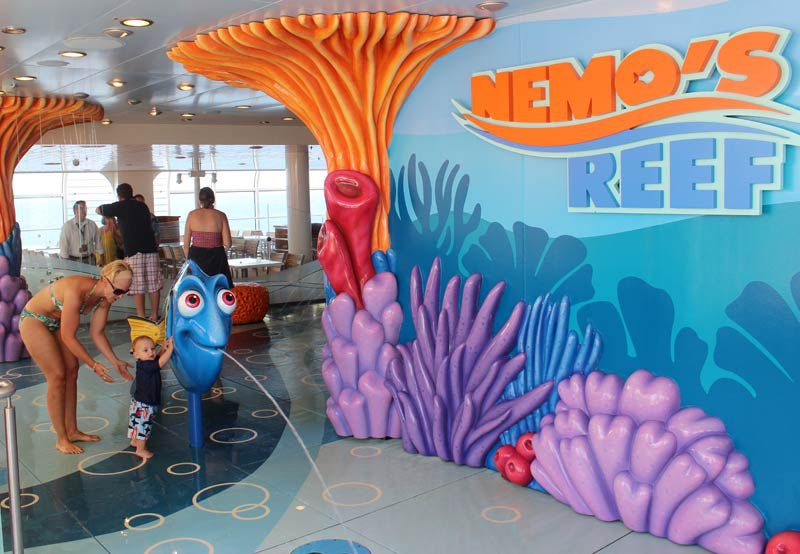 Pools and Water Play on Disney Fantasy