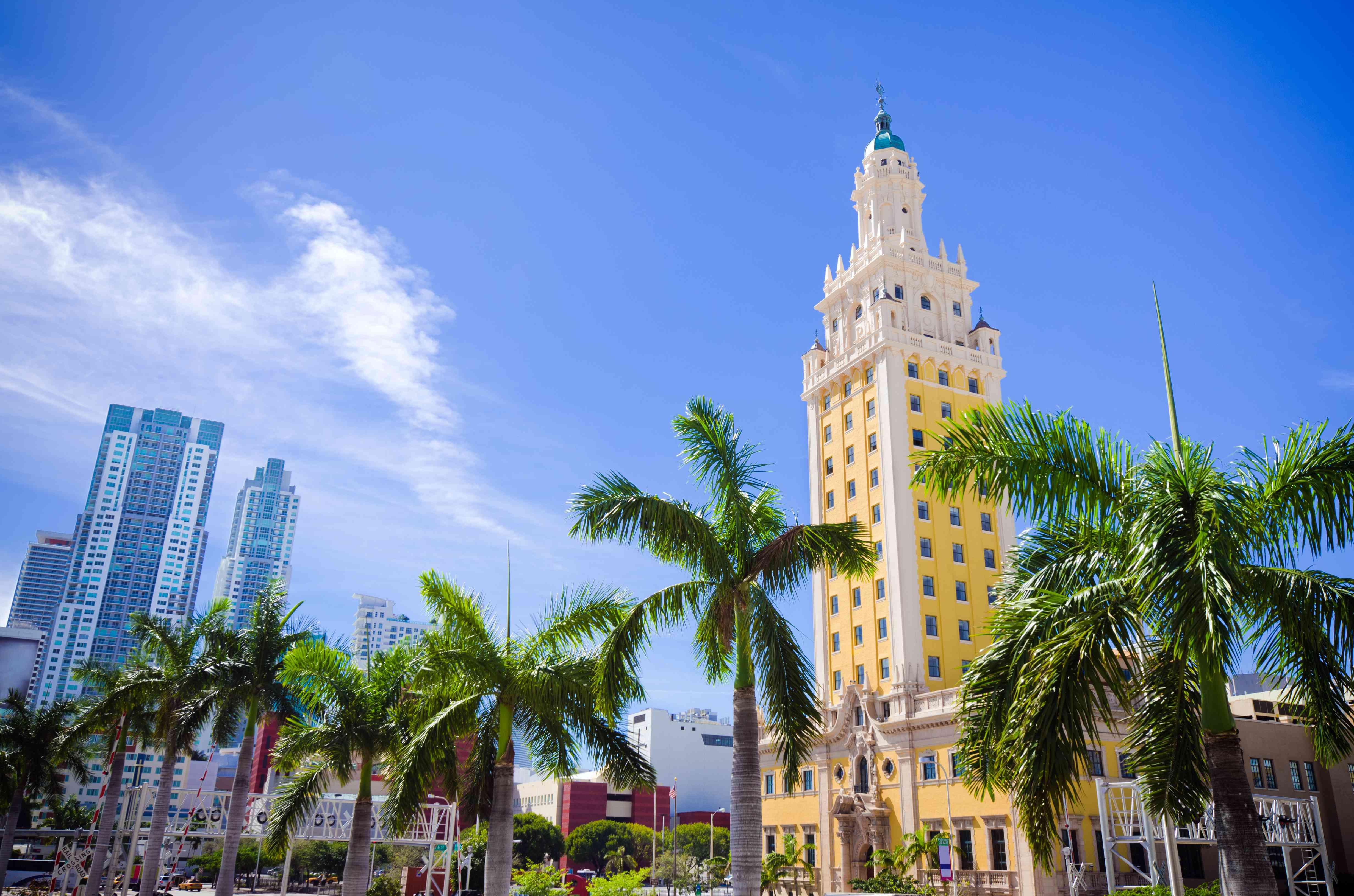 Vista panorámica de Freedom Tower en el centro de Miami Florida