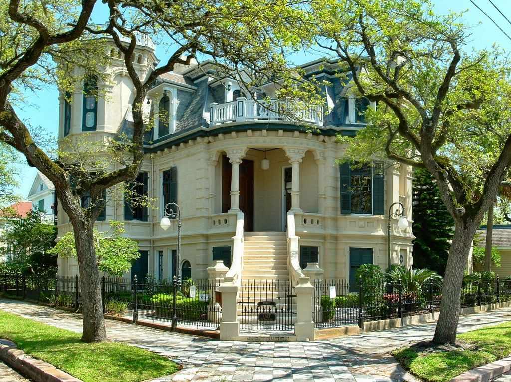 9 Romantic Things to Do in Galveston, Texas
