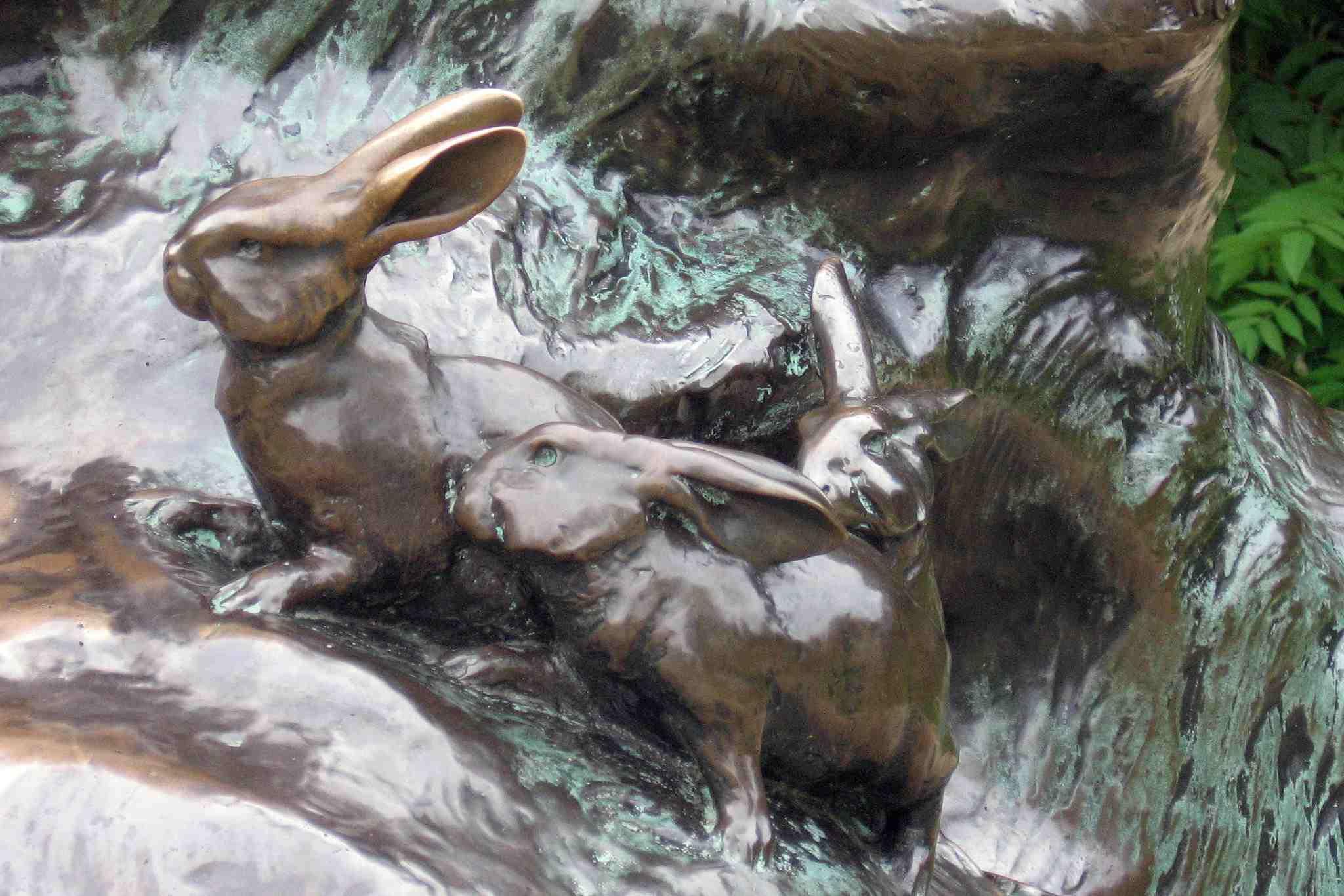 Peter Pan statue rabbit