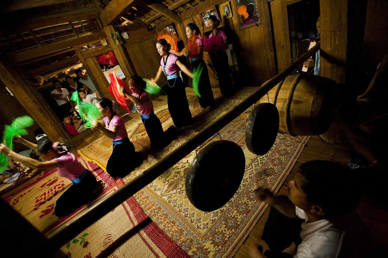Traditional Tai performance at Mai Chau homestay