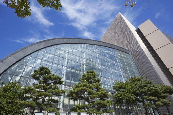 Modern exterior of Shinsegae Centum City