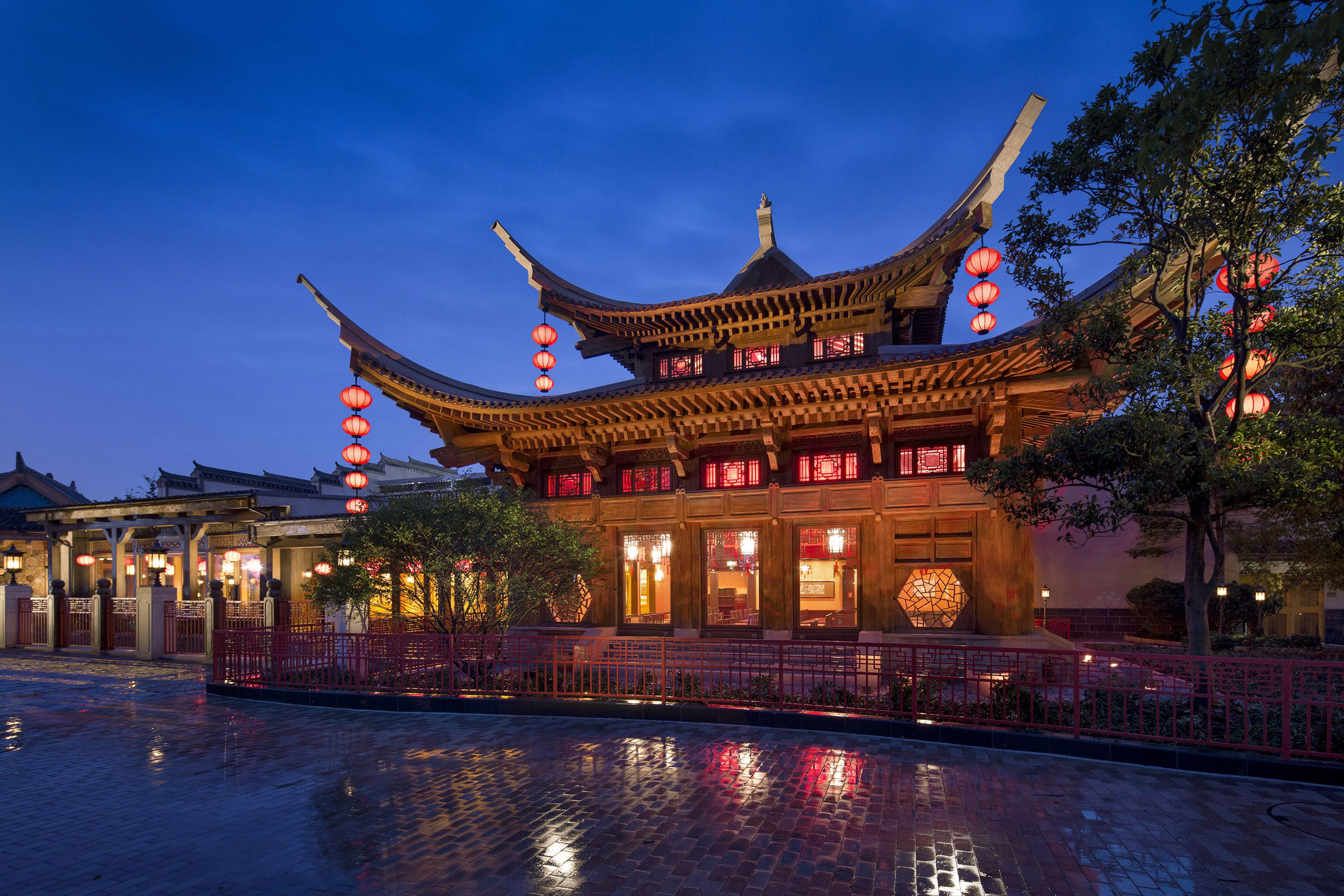 Shanghai Disneyland Wandering Moon Teahouse