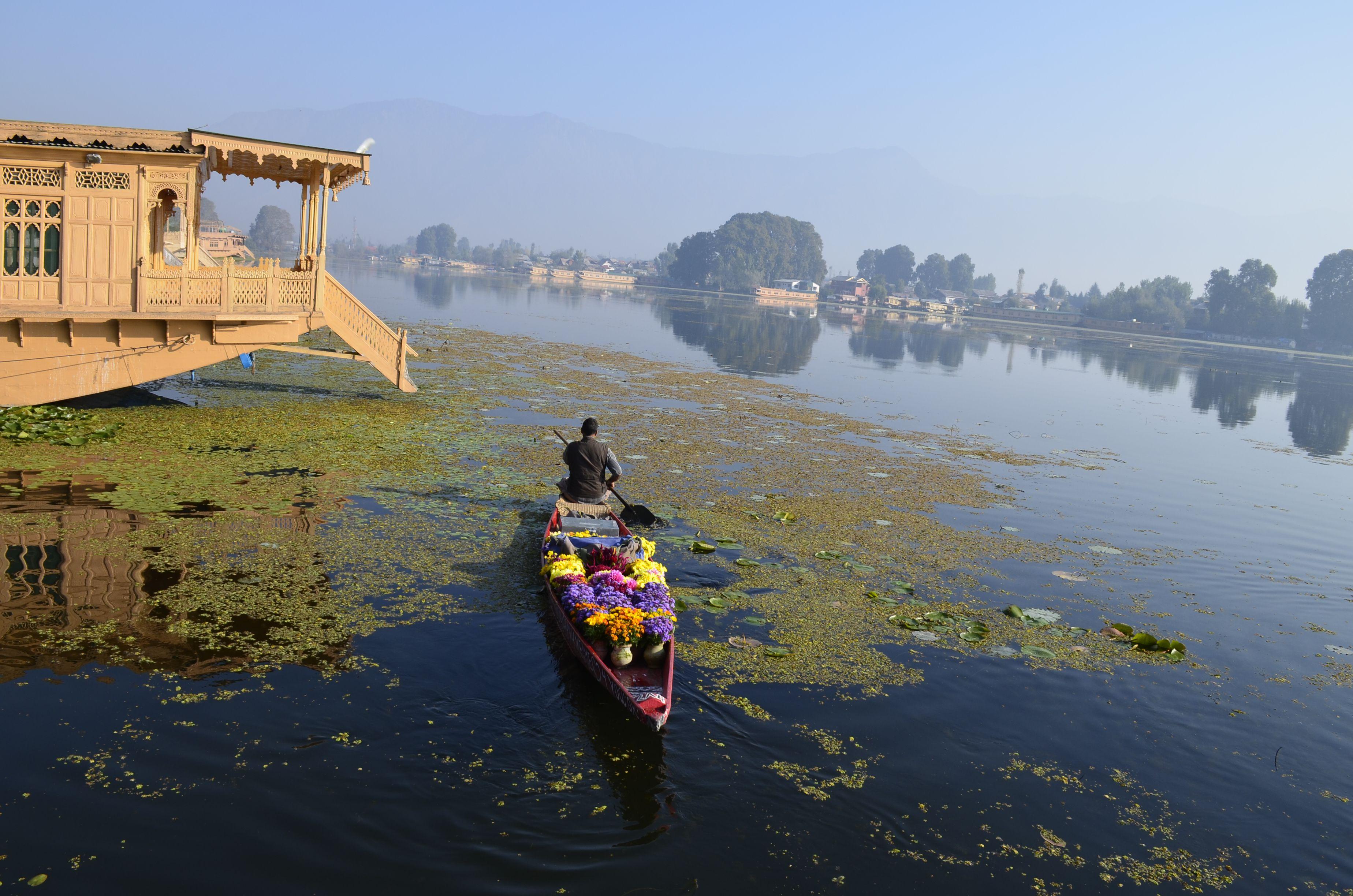 Srinagar, Nigeen Lake