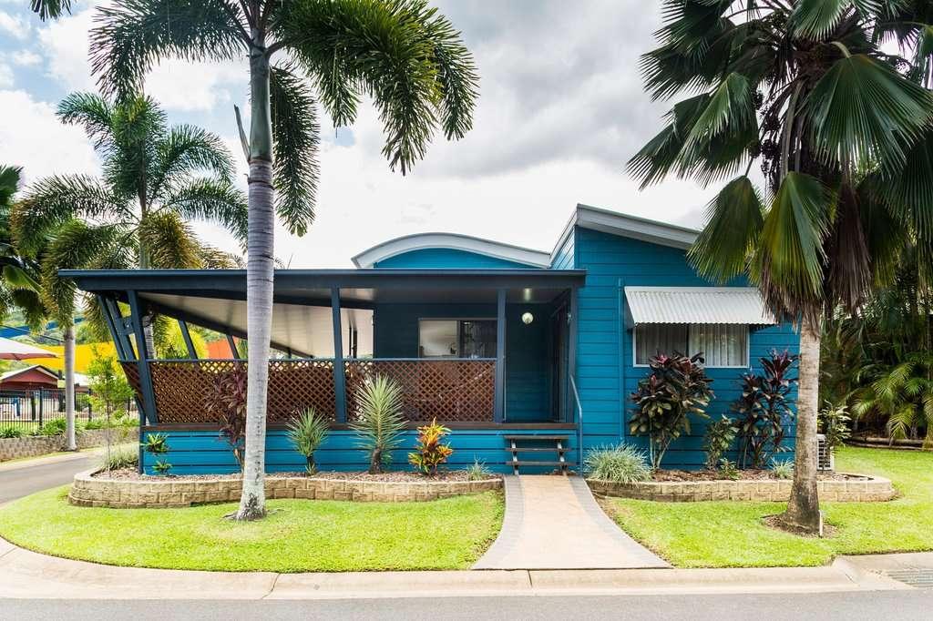 Blue bungalow at Coconut Resort
