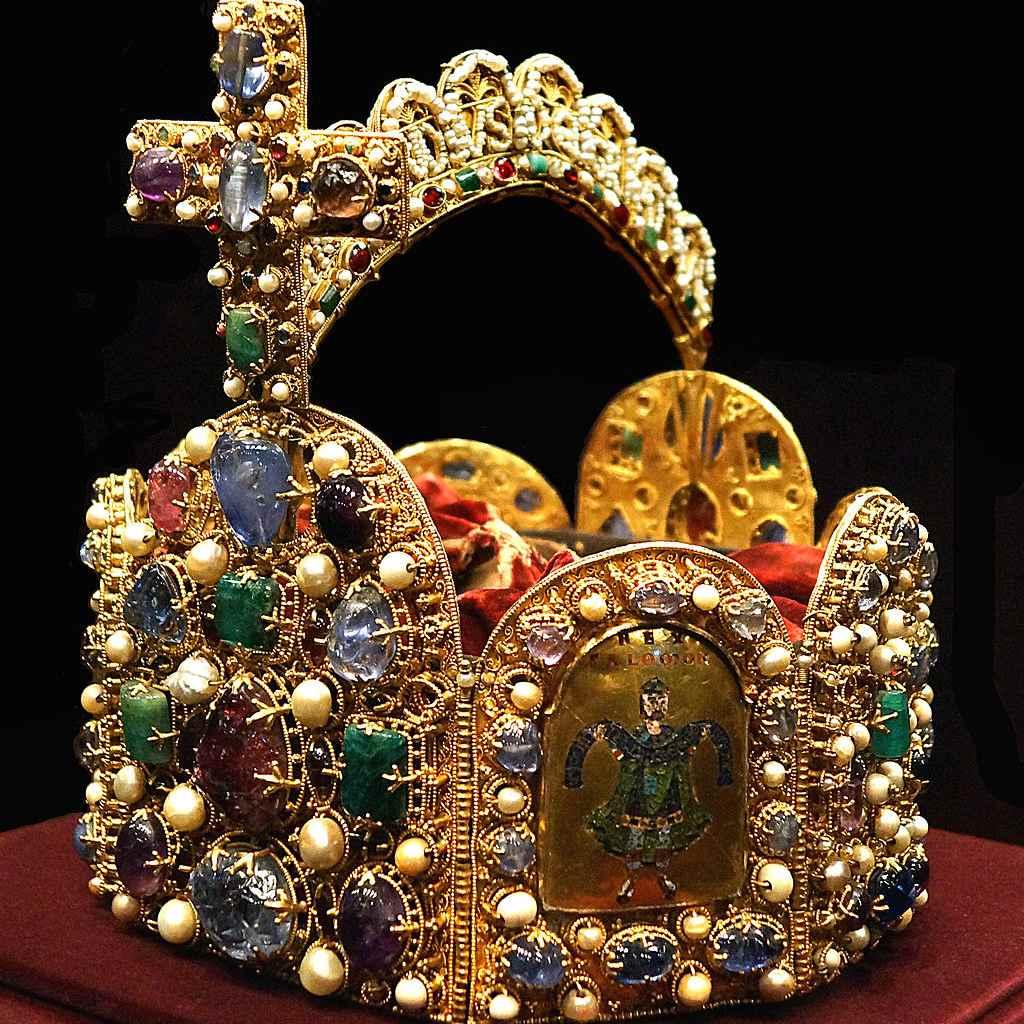 Corona del Sacro Imperio Romano, Tesoro Imperial, Viena